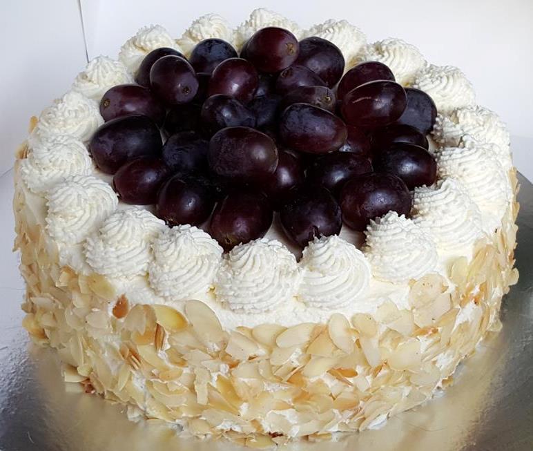 Fresh Cream & Fruit Sponge Cake - www.afeliaskitchen.com
