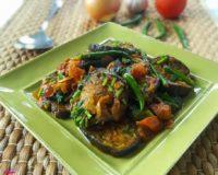 Baingon Ar Tematoo Biran (Fried Aubergine and Tomato)