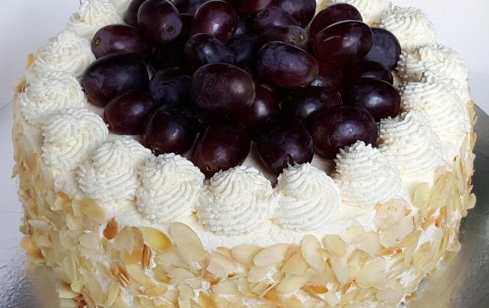 Fresh Cream Fruit Sponge Cake